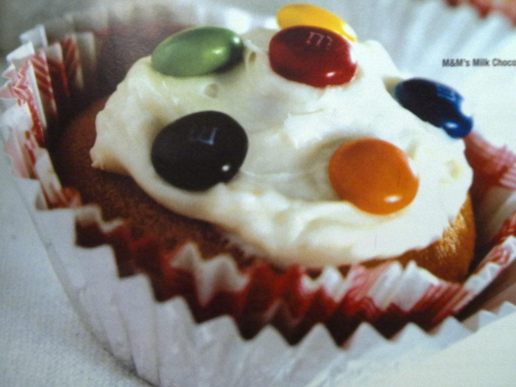M&m milk choc cup cakes