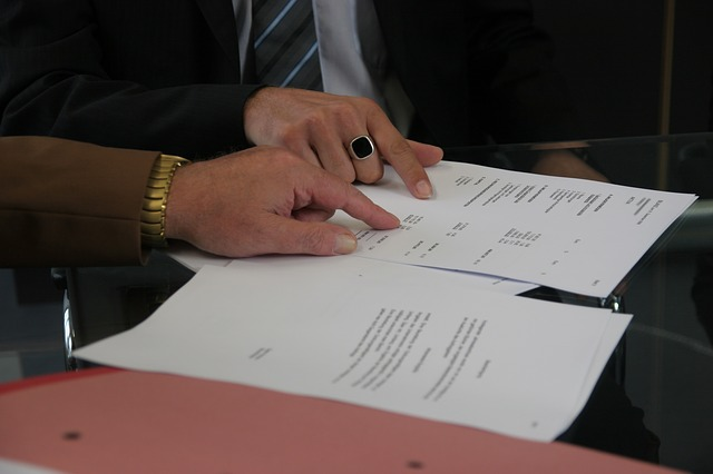 contract-The Problem Of The Opening Sentence