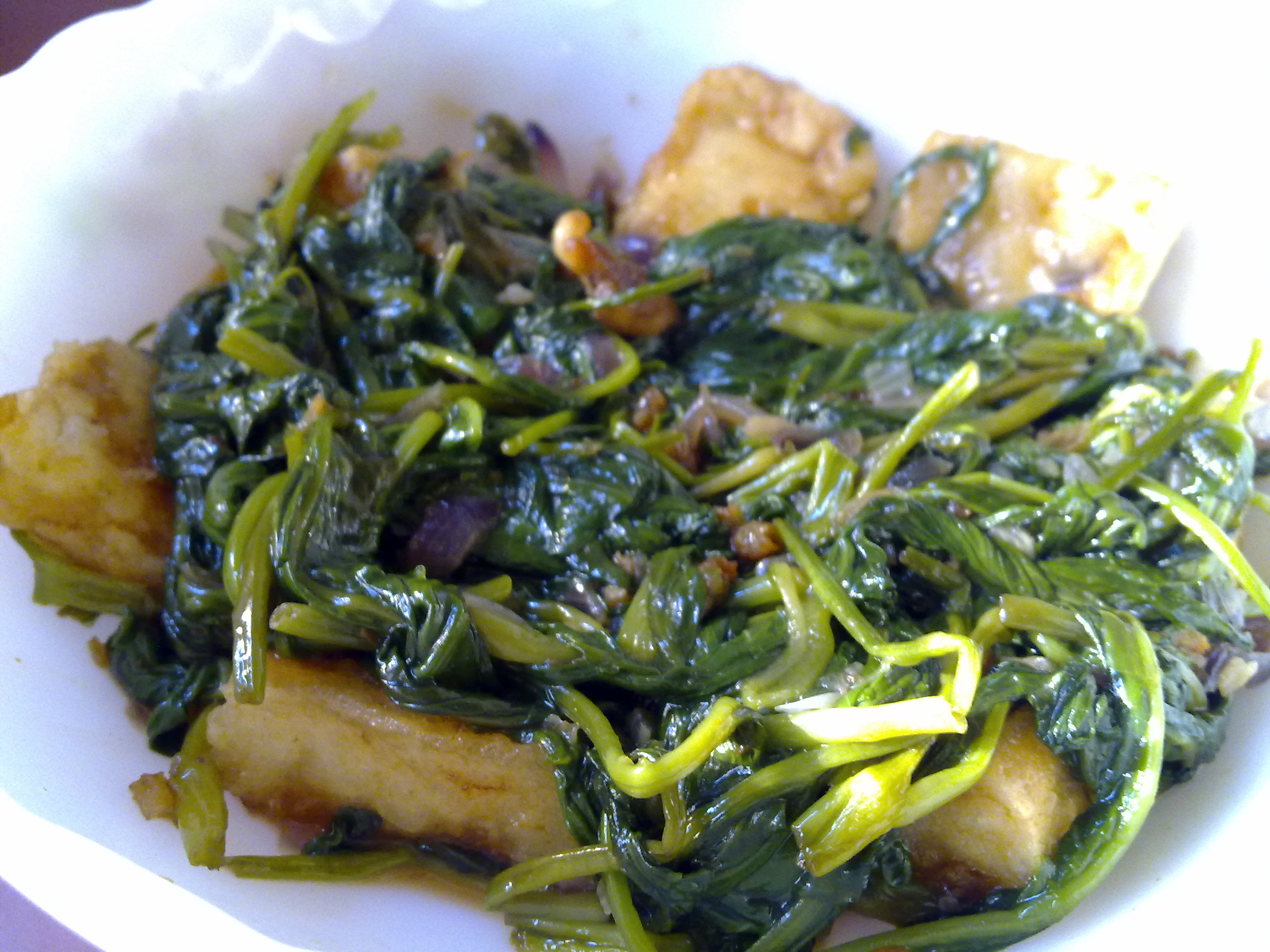 Stir Fry Water Spinach with Firm Tofu