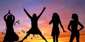girls-407685_960_720